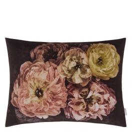 A Nyhet Designers Guild Kudde Le Poeme De Fleurs Rosewood Cushion 60 x 45cm CCDG0924 (2-PACK)