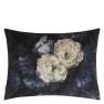 Designers Guild Kudde Le Poeme De Fleurs Midnight Cushion 60 x 45cm CCDG0925 (1-PACK) Kampanj 25% rabatt på hela köpet över 5000 kr (gäller ej rea och tyger) KOD. GTGYTKXL - Visar kudde baksida