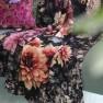 A Nyhet Designers Guild Pläd Dahlia Noir Fuchsia Throw 130 x 180 cm BLDG0197 digitaltrykt på 100% merino ull (1-Pack) - 2-pack