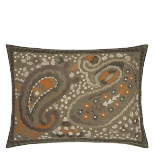 Designers Guild Kudde Uchiwa Ochre Cushion 60 x 45cm CCDG0921 (2-PACK) Kampanj 25% rabatt på hela köpet över 5000 kr (gäller ej rea och tyger) KOD. GTGYTKXL - 2-pack Kuddar med rabatt