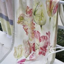 A Nyhet Designers Guild Pläd Spring Tulip Buttermilk Throw 130x180cm digitaltrykt på linne BLDG0208 (2-Pack) Kampanj 25% rabatt på hela köpet över 5000 kr (gäller ej rea och tyger) KOD. GTGYTKXL