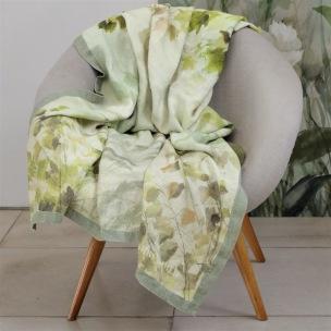 A Nyhet Designers Guild Pläd Maple Tree Celadon Throw 130x180cm digitaltrykt på linne BLDG0207 (2-Pack) Kampanj 25% rabatt på hela köpet över 5000 kr (gäller ej rea och tyger) KOD. GTGYTKXL - 2-pack