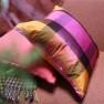 Designers Guild Kudde VARANASI FUCHSIACCDG1030 (2-PACK) Kampanj 25% rabatt på hela köpet över 5000 kr (gäller ej rea och tyger) KOD. GTGYTKXL - 2-pack Kuddar med rabatt