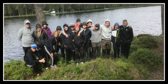 Vid Hästtjärn campade och fiskade några elever ur årskurs 9 som har haft Friluftsliv och idrott som tillval. Foto: Pelle Ljungström