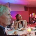 Rektor Roy Resare och läraren Michaela Johansson på vårfest. Foto: Gisela Edlund