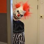 Vad är ett halloweenfirande utan skräckinjagande clowner? Foto: Therés Forsén