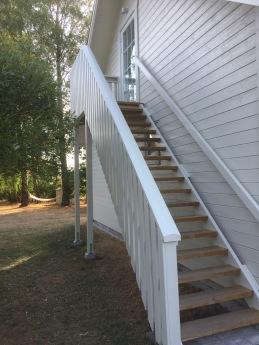 Nu finns en trappa till vindsvåningen.