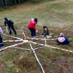"""Skapande skola projekt """"Land Art"""" med  elever i åk 4-6, Svenarum skola, på uppdrag av ReMida"""
