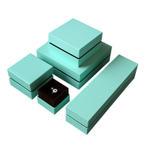 Vi kan leverera olika insattser till Er askar.Skapa enmodernare look bara genom att byta färg på askens interiör.