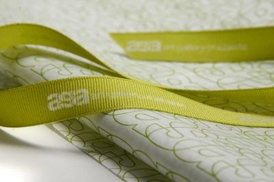 Silkespapper presentpapper med eget tryck