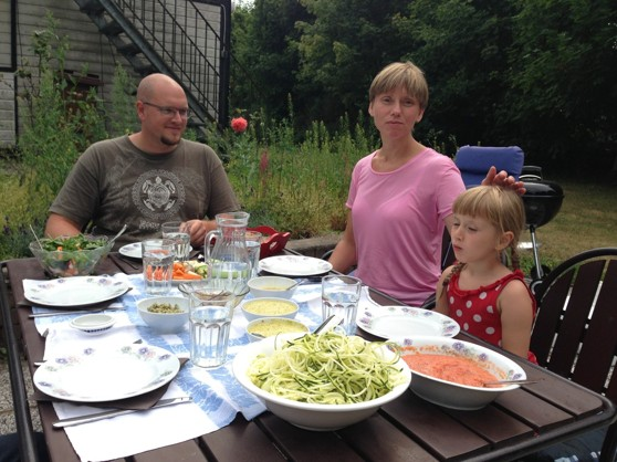 Trevlig familj från Stockholm på raw-food lunch. Vi hade mycket gemensamt kring hälsa