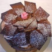 Chokladtårta. Ljus botten, vaniljkräm & chokladmousse