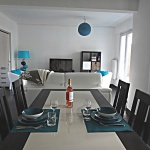 Living room /dining table