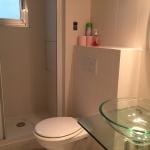 Badrum samt WC för gästrum