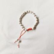 • 21 Bead Wrist Mala || Vit Hematit (W100)