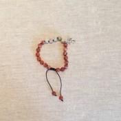 • 21 Bead Wrist Mala | Roströd Bandagat | Aprikos/Grågrön Jade