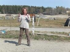 Karin instruerar