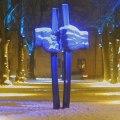 Allt ljus på Uppsala 2010  Statyn Befrielsen vid Martin Luther Kings plan
