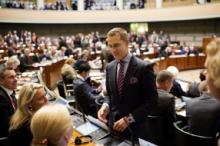 Finlands samarbetsminister Alexander Stubb på väg upp i talarstolen. Bild: Benjamin Suomela - norden.org