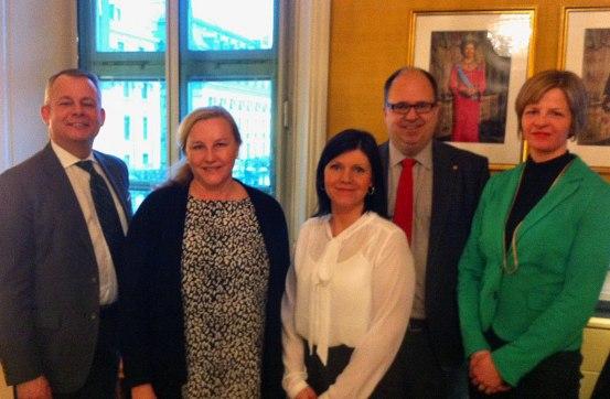 Göran Arrius (Saco), Ewa Björling (nordisk samarbetsminister), Eva Nordmark (TCO), Karl-Petter Thorwaldsson (LO) och Loa Brynjulfsdottir (NFS)