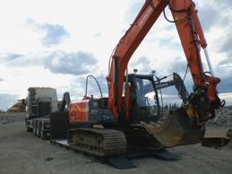 Transport av grävmaskin