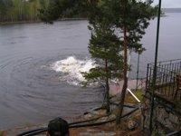 Bubbel när Göran Hall försökte blåsa upp bryggan 2005