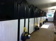 Boxarna redo för hästarna