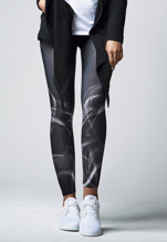 URBAN CLASSICS Smoke Leggings - black/white