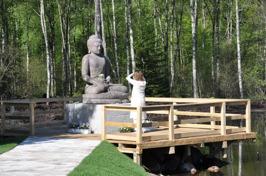 Buddha nere vid Dragonhouse, sommaren-2014