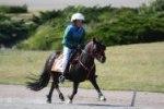 Mathilda rider Henny i monte