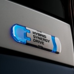 2014-toyota-prius-plug-in-hybrid5-japanese-version_100442721_l
