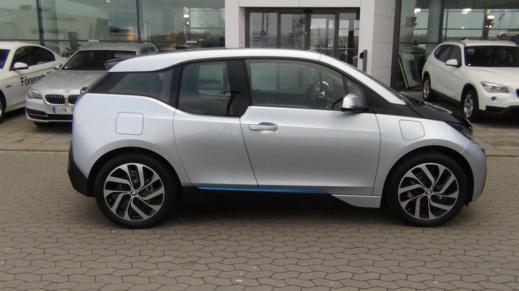BMW i3 som till stora delar består av kolfiber