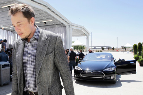 Elon vill kunna sälja elbilar i Texas