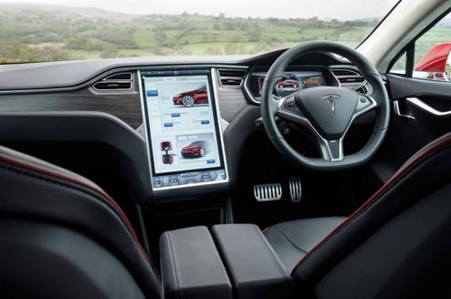 Högerstyrd Model S