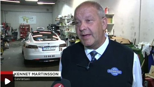 Kennet. Martinsson kör Model S taxi i Gävle