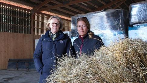 Solveig Rydén Falk, verksamhetschef Lomma ridklubb, och Catarina Hagstrand, ordförande i klubbens styrelse, är båda besvikna på kommunen. Bild: Johanna M Karlsson