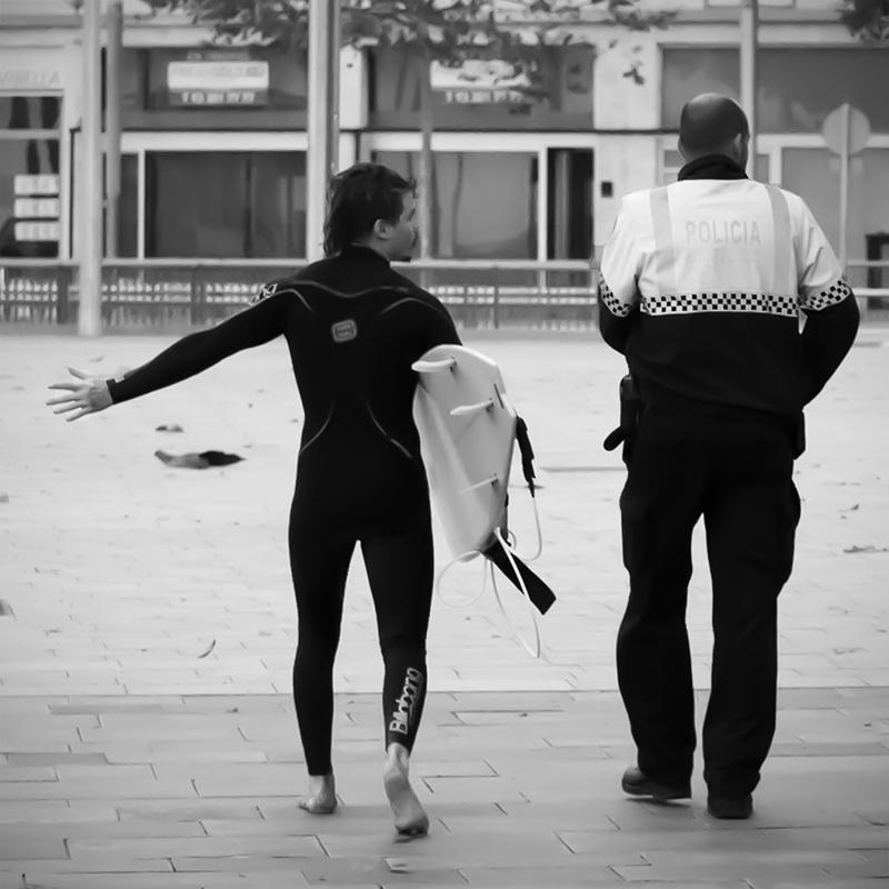 """Det blir rapport på det här"" sa polisen buttert på spanska. Eller nåt. :-)"