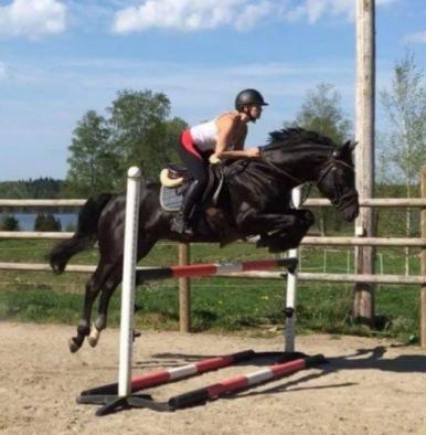 Zalmiyac 9087 och Carolina Jansson