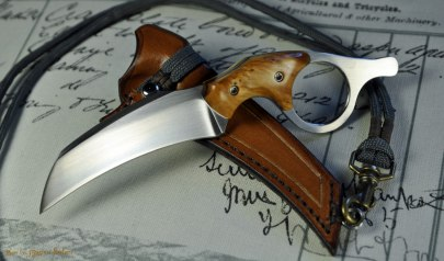 Ringed Claw - Neck knife in 12C27 and stabilized Spruce burl.