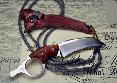 Ringed Claw - Neck knife in 12C27 and Snakewood.
