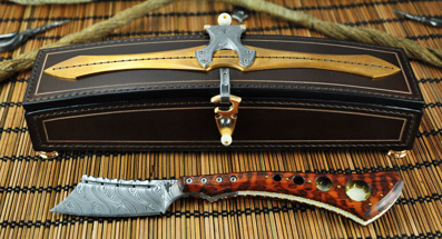 Last Shave - Damasteel blade with Snakewood and bronze handle. Custom made box with Damasteel and bronze fitings.