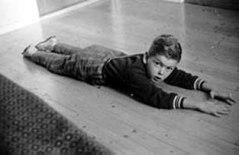 Här är jag fyra år gammal och tränar gymnastik.