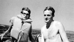 Här är pappa och jag i vår eka på fisketur utanför Djupvik sommaren 1963.