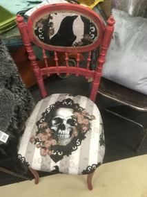 Bemålad stol med Van Asch tyg - Bemålad stol med Van Asch tyg