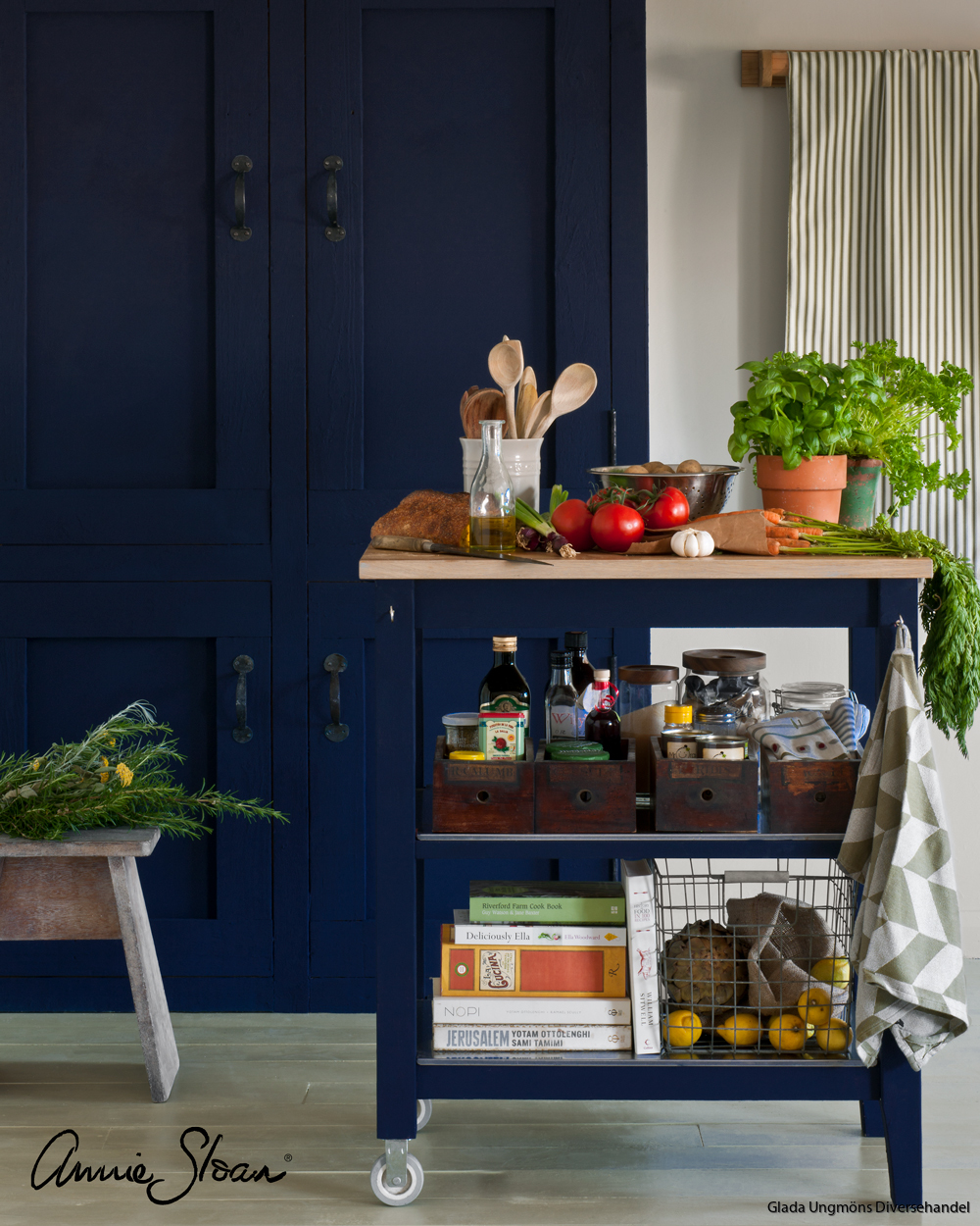 Oxford-Navy-kitchen-image-1