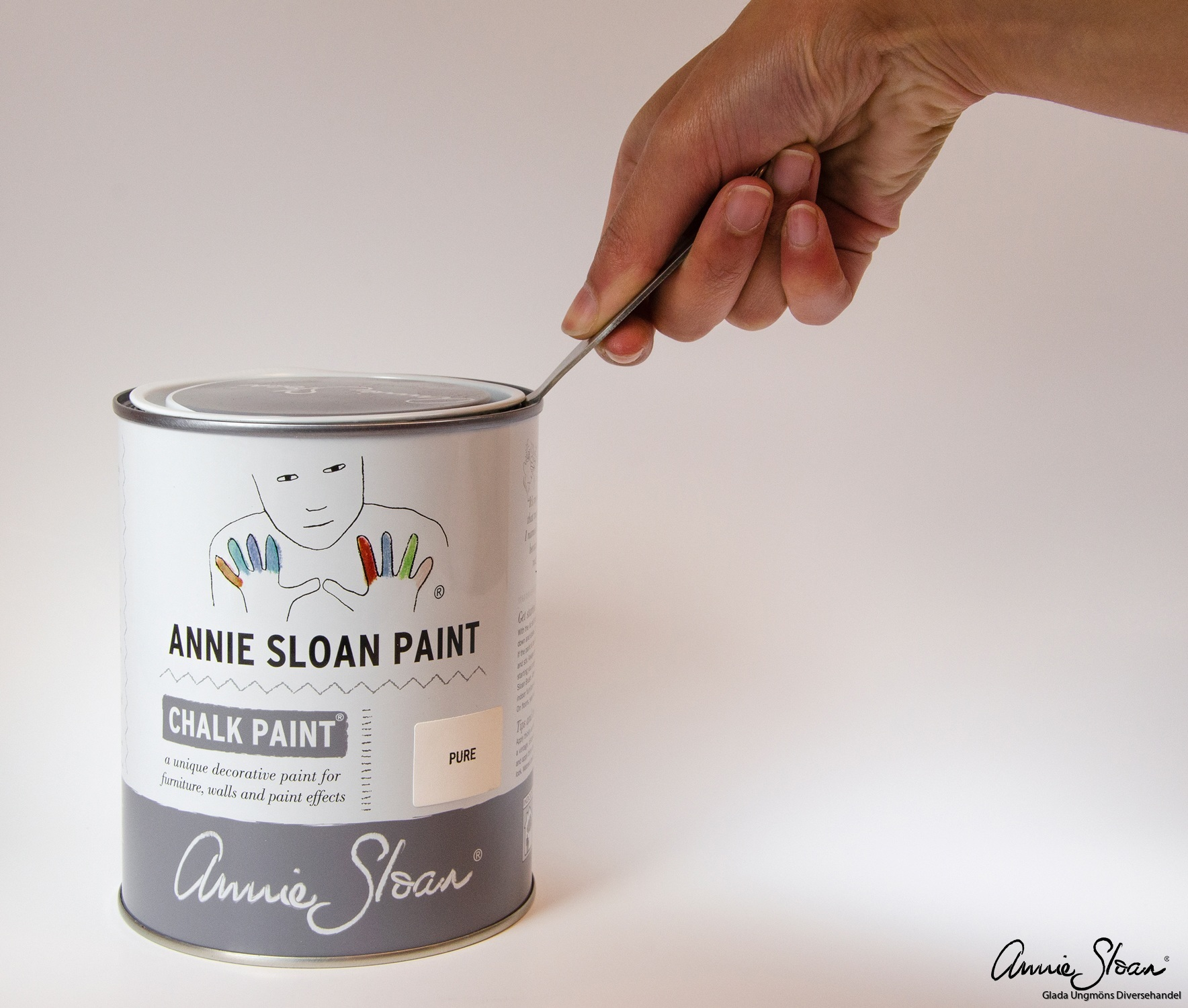 Annie-Sloan-Tin-Opener-used-on-a-tin-of-Pure
