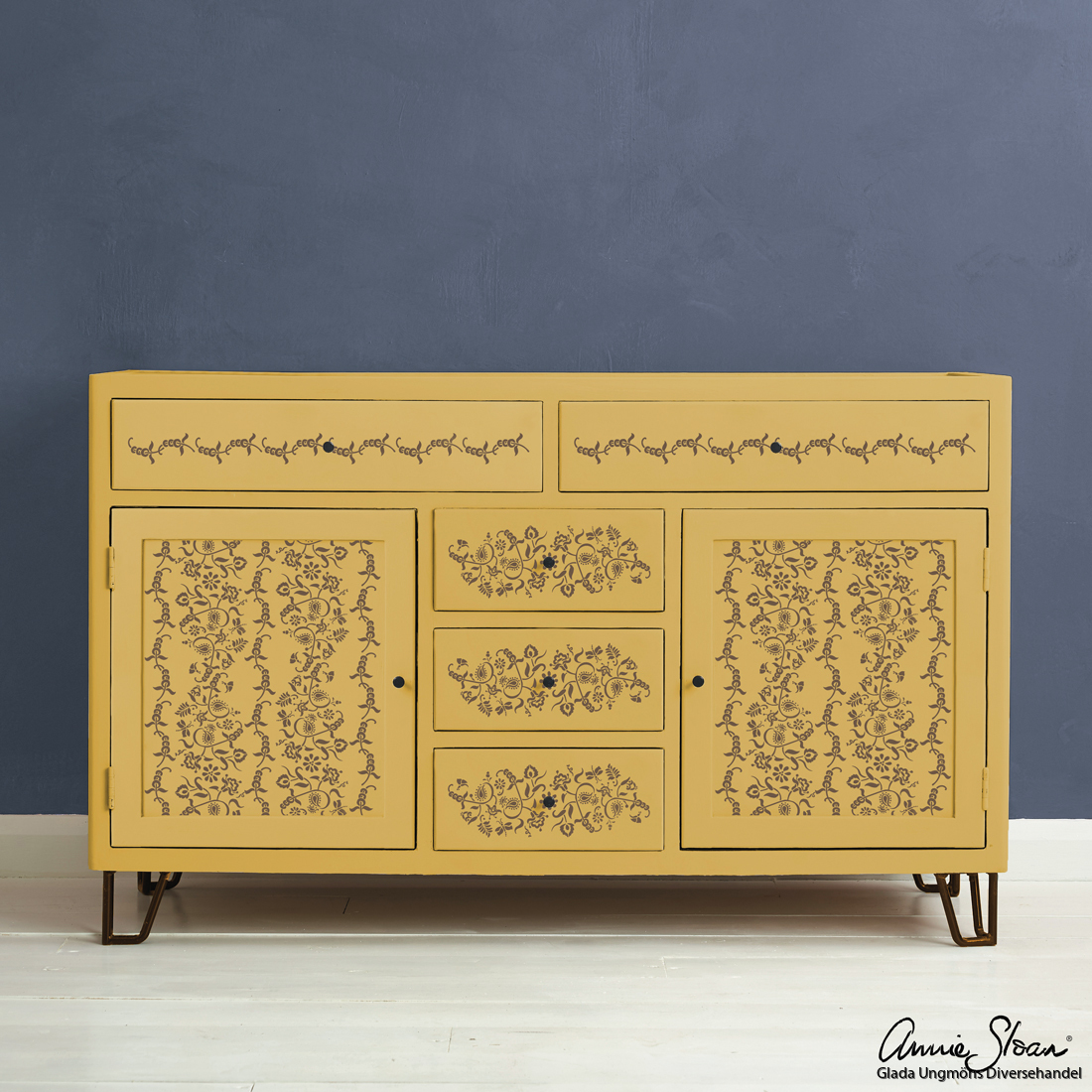 Indian-Paisley-Garland-Stencil-Furniture-Honfleur-on-Mustard