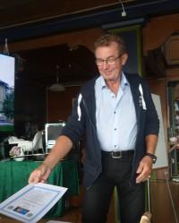 Förbundsordförande Bernt Thörnqvist delade ut kursintygen