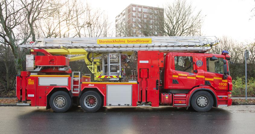 Hävare Scania P400DB 6x2*4 MLB                klicka gärna på bilden så kan du läsa mer om Storstockholms brandförsvar.