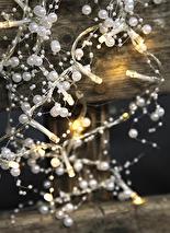 Ljusslinga med vita pärlor (batteri/timer)
